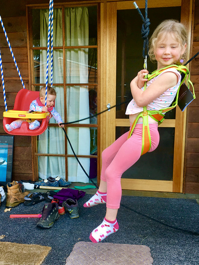 Kid's climbing harnesses